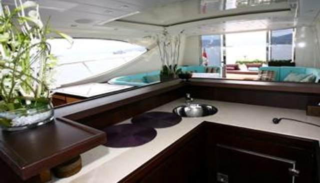 Ultima Beach Charter Yacht - 5