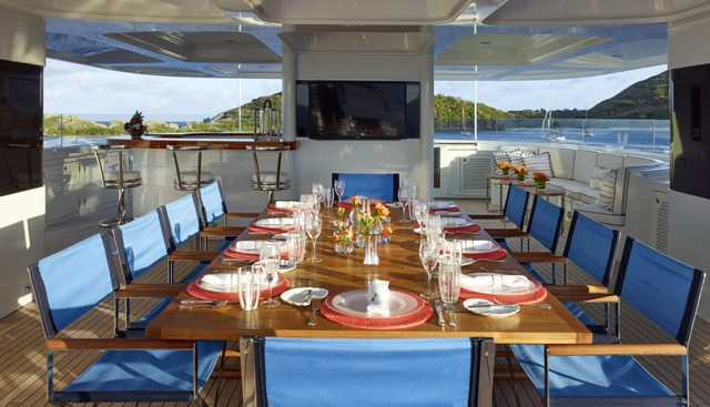 Victoria Del Mar Charter Yacht - 4