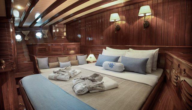Entre Cielos Charter Yacht - 8