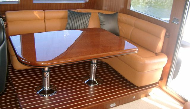 La Ree Charter Yacht - 5