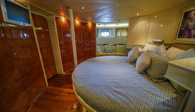 Platinum Princess Charter Yacht - 3