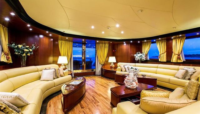 Holiday Charter Yacht - 7