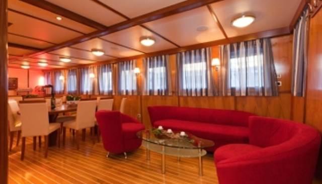 Amorena Charter Yacht - 3