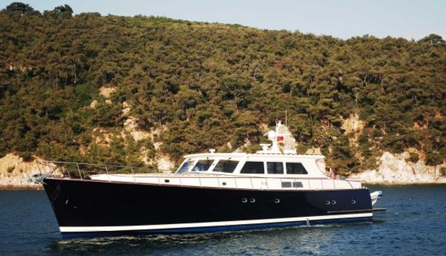Essence of Cayman Charter Yacht - 3