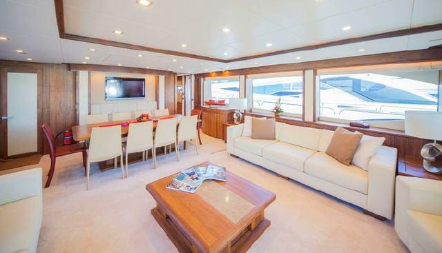 Round Midnight Charter Yacht - 7