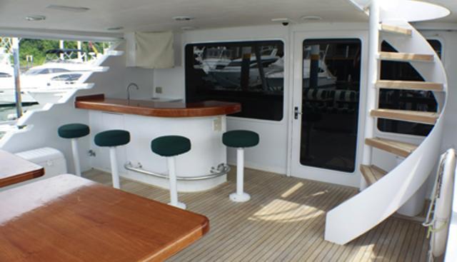 Turnin' Left Charter Yacht - 4