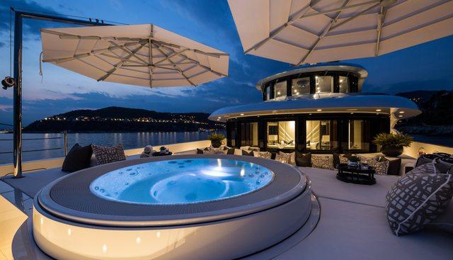 11/11 Charter Yacht - 2