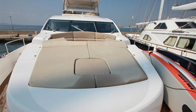 Forward Unlimited Charter Yacht - 2