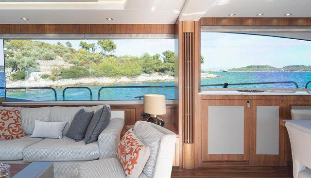 Hunky Dory Of London Charter Yacht - 8