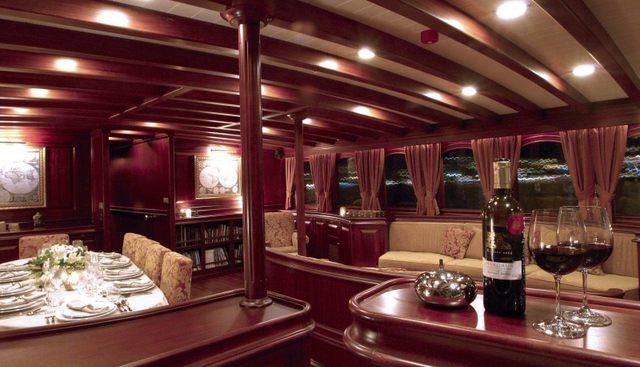 Riana Charter Yacht - 6