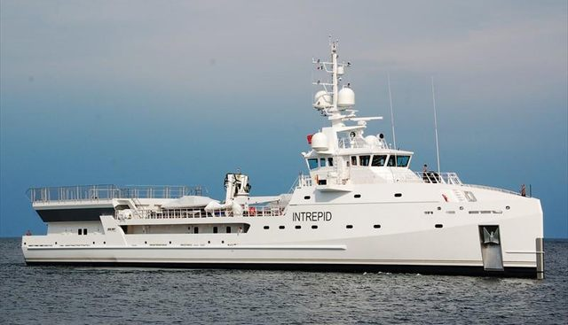 Intrepid Charter Yacht - 4