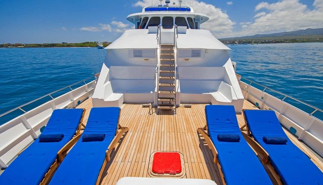 Tip Top IV Charter Yacht - 2