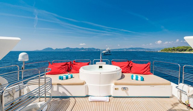 Excelerate Z Charter Yacht - 3