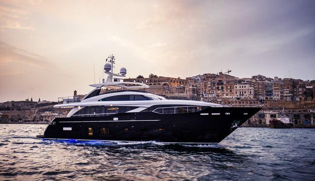 Kohuba Charter Yacht
