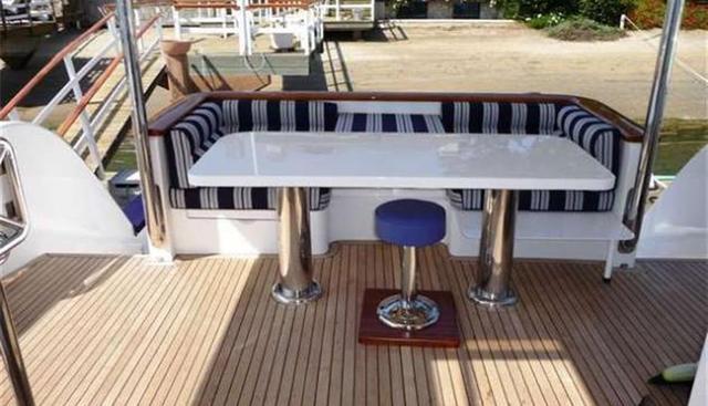 Zsi Zsi Charter Yacht - 3