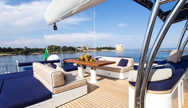 Huitane Charter Yacht - 3