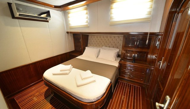 Luce Del Mare Charter Yacht - 8