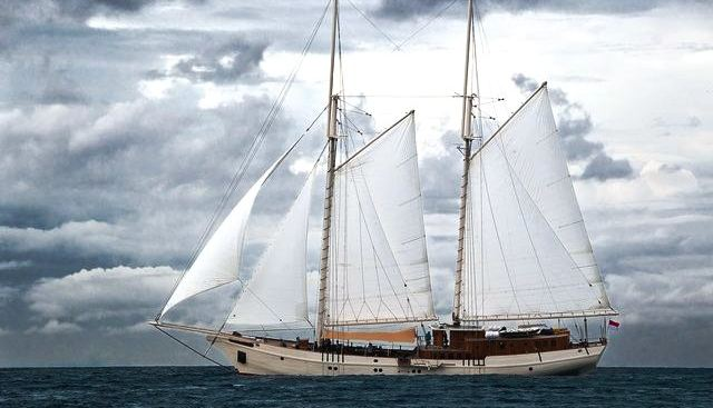 Mutiara Laut Charter Yacht - 2
