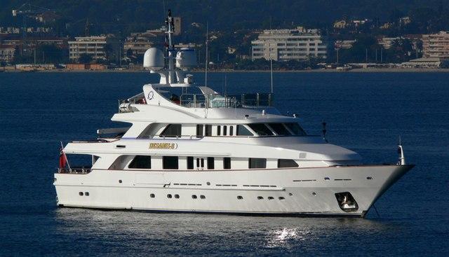 Desamis B Charter Yacht