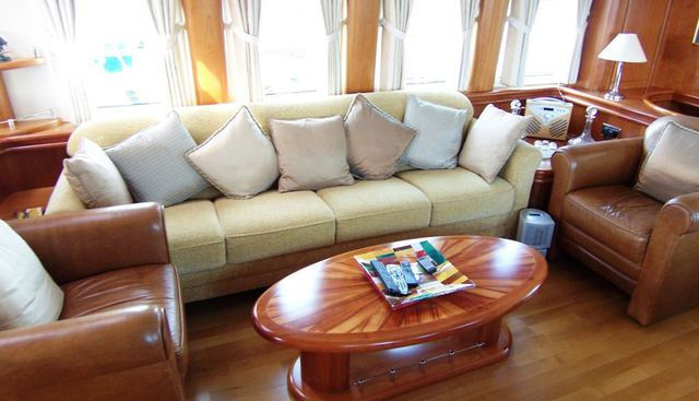 Netty Elaine Charter Yacht - 4