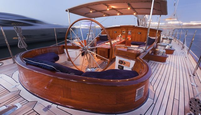 Seabiscuit Charter Yacht - 5
