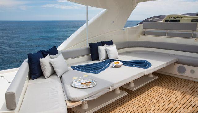 Porthos Sans Abri Charter Yacht - 3