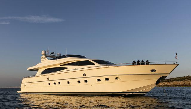 Vyno Charter Yacht