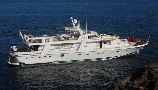 Nafisa Charter Yacht - 4