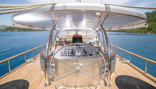 Silver Moon Charter Yacht - 3