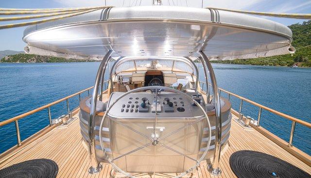Silver Moon Charter Yacht - 3