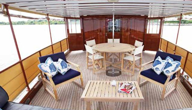 Enticer Charter Yacht - 4