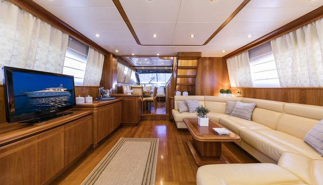 Gorgeous Charter Yacht - 6