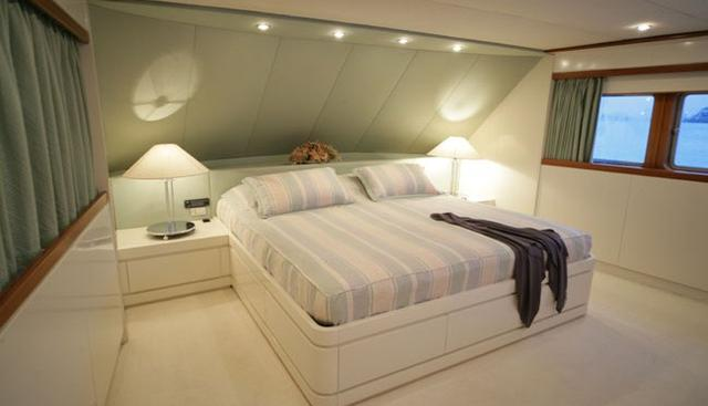 South Paw C Charter Yacht - 6