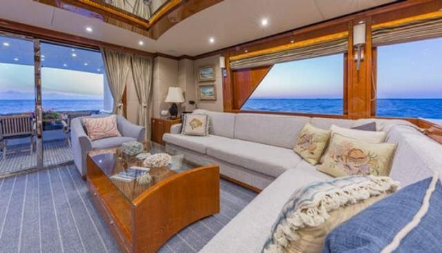 High Rise Charter Yacht - 7