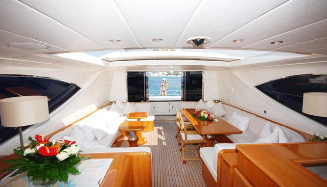 Lady Splash Charter Yacht - 5