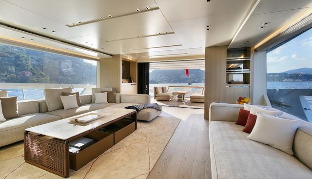 Pause of London Charter Yacht - 7