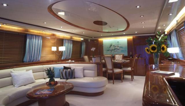 Champagne O'Clock Charter Yacht - 6
