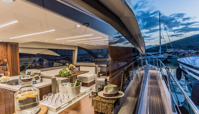 Hunky Dory Of Charter Yacht - 7