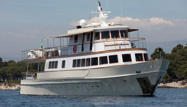 Clara One Charter Yacht