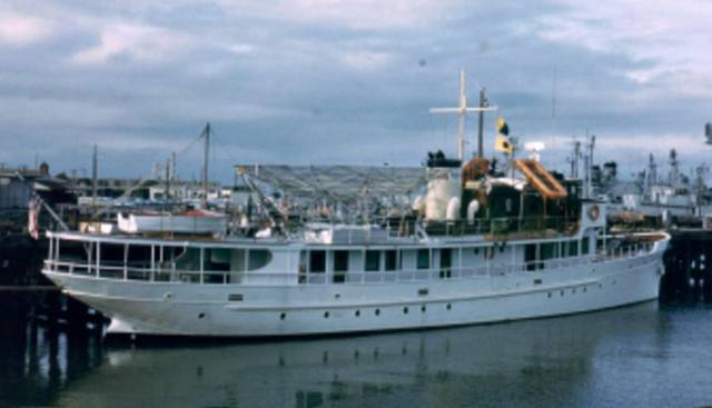Acania Charter Yacht