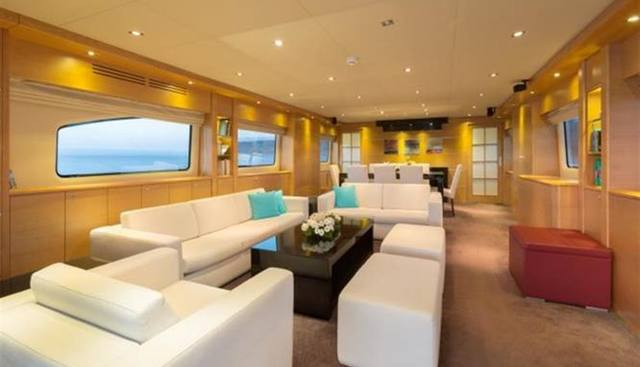 Madness Charter Yacht - 6
