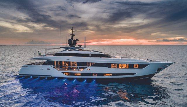 Gust Charter Yacht