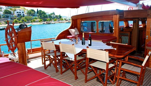 IL FRATELLO Charter Yacht - 8