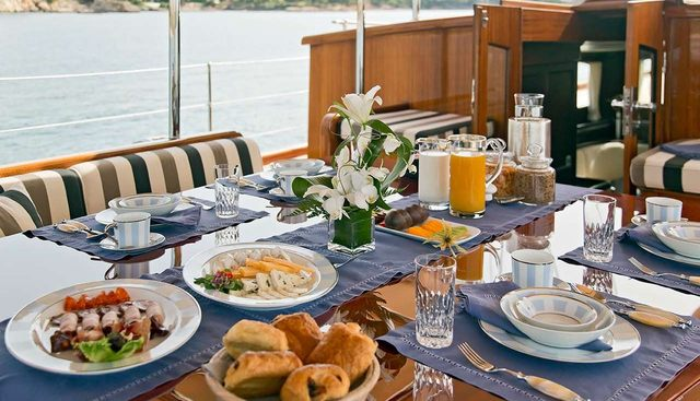 Gweilo Charter Yacht - 8