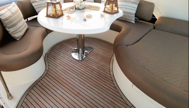 Chill Out II Charter Yacht - 4