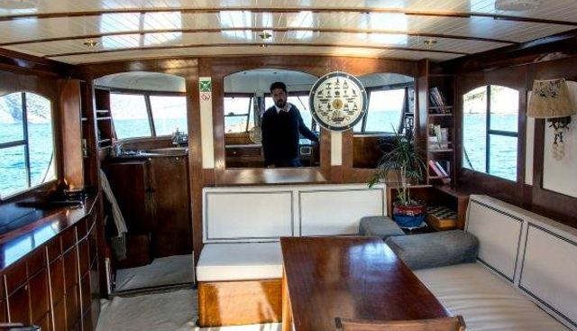 Amanda Charter Yacht - 8