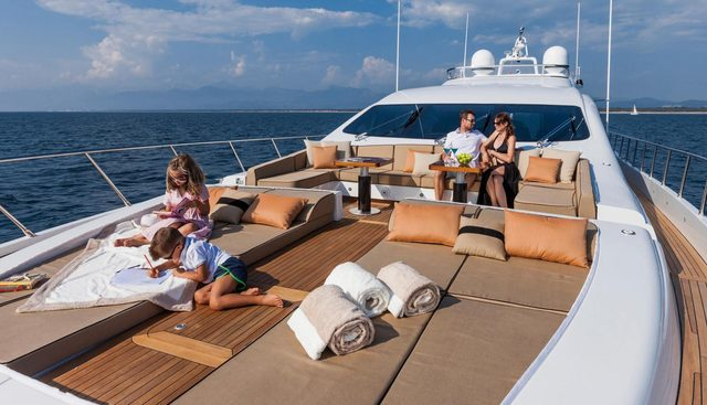 Miss Bubbles Charter Yacht - 4