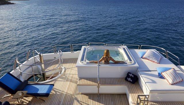 Victoria Del Mar Charter Yacht - 3