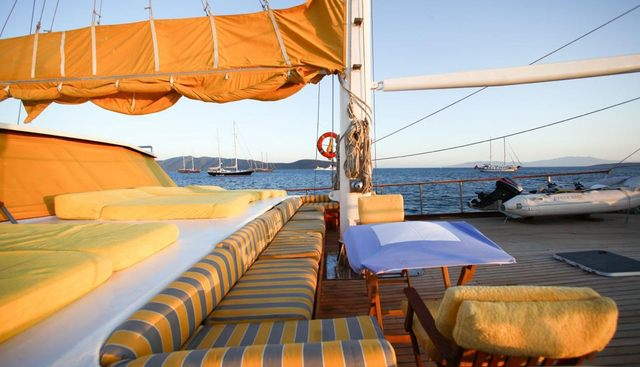 White Swan Charter Yacht - 3