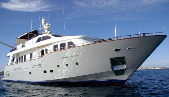 Amanzi Charter Yacht